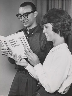 Students peruse the first Grand Valley catalog.